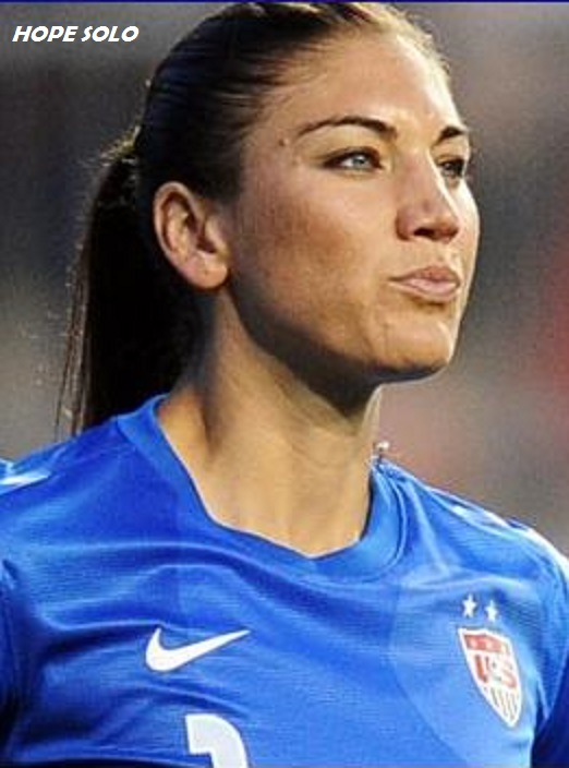 HOPE SOLO- SOCCER US GOALKEEPER DIEULOIS